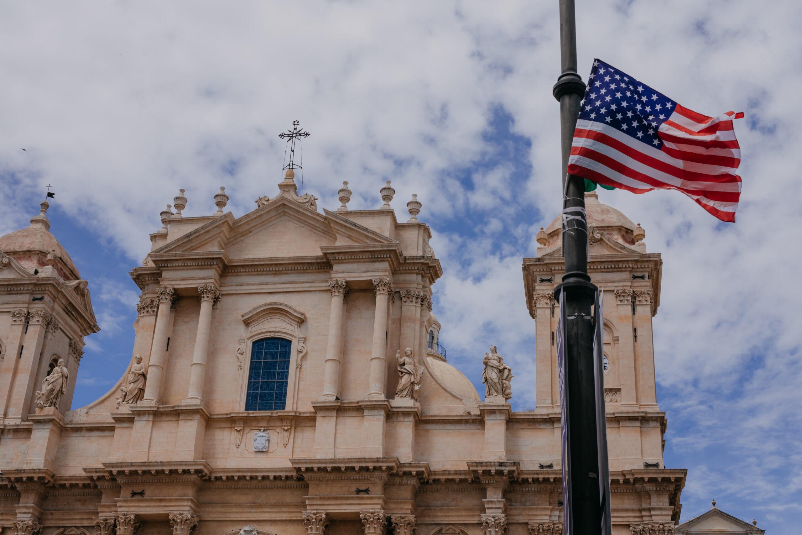 Casa America narrazioni grafiche e sceniche sul viaggio Sicilia—America 17–19 maggio